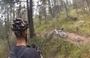 Αρκούδα καταδιώκει ποδηλάτη